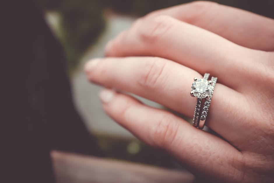 yellow-gold-engagement-rings-11